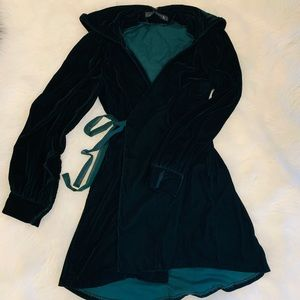 Mini velvet green dress Zara